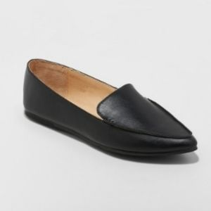 A New Day size 6.5 pointed toe loafer